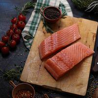 Fresh Organic Salmon Fillet 300g