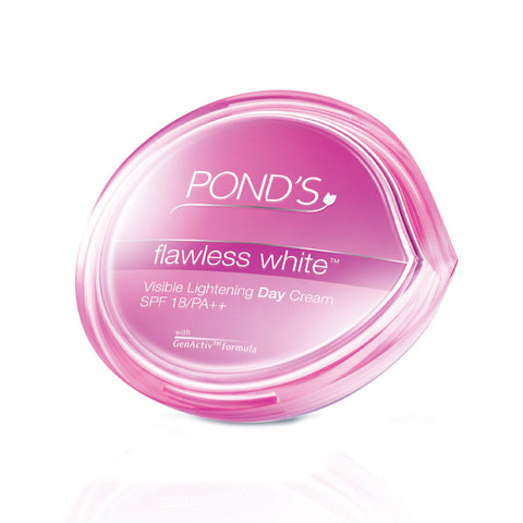 Pond'S-Flawless-White-Visible-Lightening-Day-Cream-Spf-15-50G