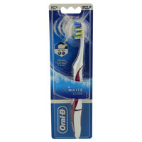 Oral-B 3D White Luxe Battery Toothbrush