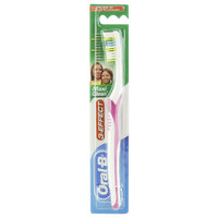 Oral-B Medium 3-Effect Maxi Clean Toothbrush