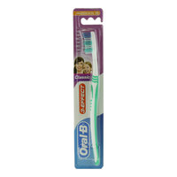 Oral-B 3-Effect Classic Medium Toothbrush