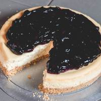 Small Blueberry Cheesecake 6-8 Person