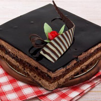 Small Chocolate Mousse Cake 6 to 8 Persons